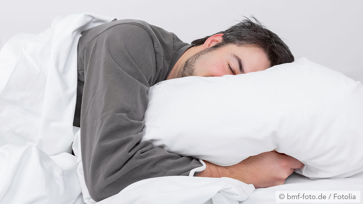 Snoring causes and sleeping positions